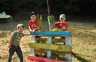 Cassagne - les enfants des ALAE fleurissent les Bessous