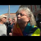 Genevieve Legay lors de la manifestation des gilets jaunes de samedi 28 septembre - Free video search site - Findclip.Net