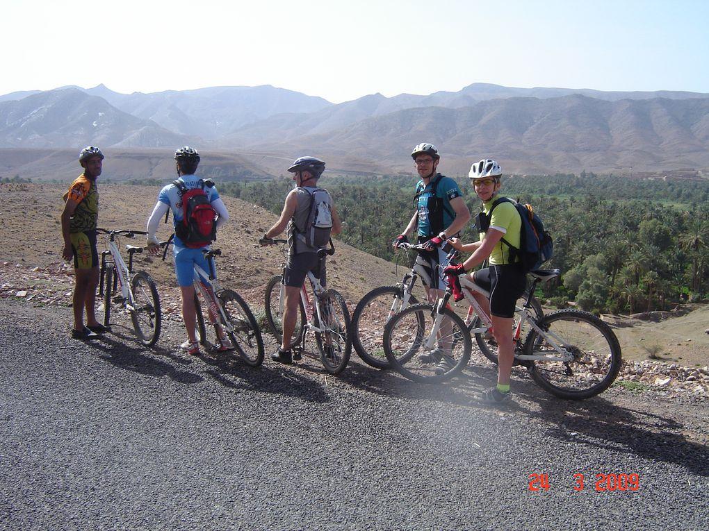 Rando-Raid VTT de 250 km dans l'Atlas et la vallée du drâa. Mars 2009,Eric et Hervé