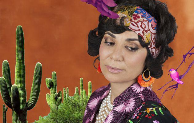 Sophie Charaï, artiste nomade avec le clip I am a Woman