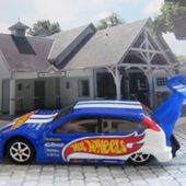 FORD FOCUS DRAGSTER TUNING HOT WHEELS 1/64 - car-collector.net