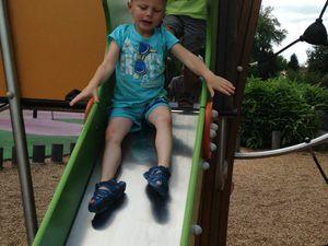 Les 4 ans ont profité du soleil au Parc Charles Fenain