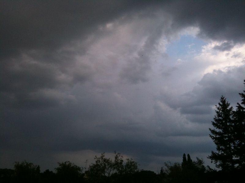 Photos prises par jg56 le 23 / 04 / 2011 de 14h44 à 20h03 à Hennebont (Morbihan).