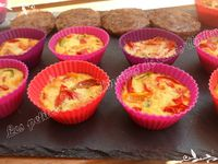 Mini quiches poivron / tomate et steaks à l'oignon