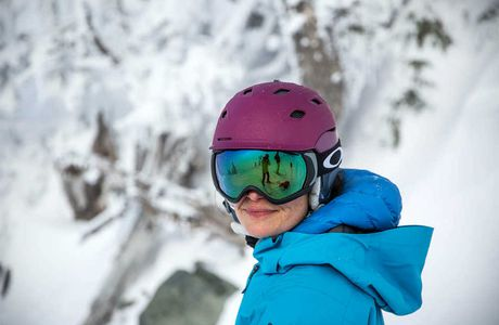 7 Key Factors to Consider When Buying Ski and Snowboarding Helmets