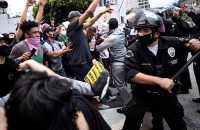 Manifestations aux États-Unis depuis mai 2020 : la violence de la répression en chiffres
