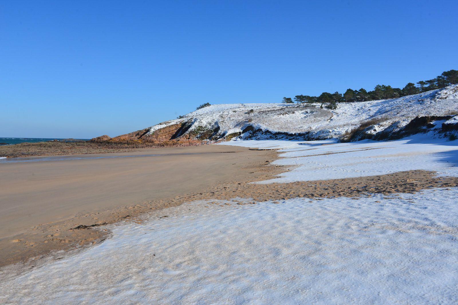 Images de neige sur la plage