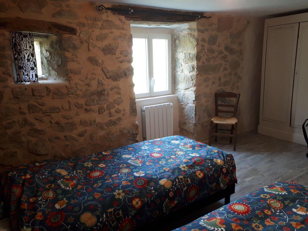 """chambre """"Serène"""" , lits jumeaux 90x200, armoire/penderie"""