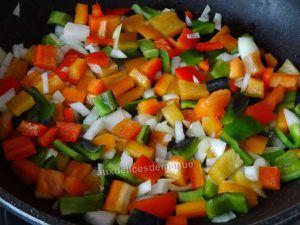 Omelette aux poivrons, merguez et oignon