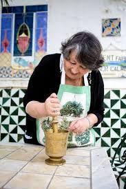 Jacqueline Bismuth nous invite dans sa cuisine et partage ses délicieuses recettes tunisiennes...