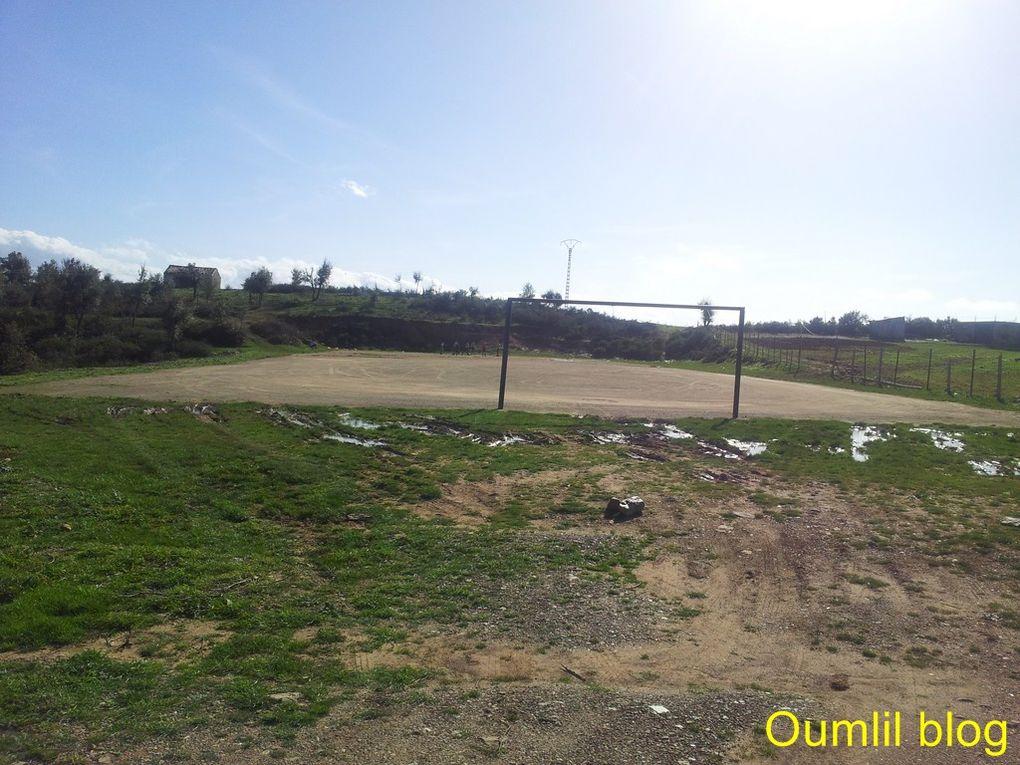 L'aire de jeu de Tahanouts et la piste forestière vers Anzathen.