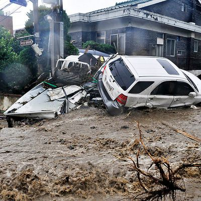 Breaking News : flood and landslide in South Korea