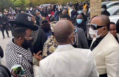 Fally Ipupa aux obsèques de Maman Amy, la maman de Koffi Olomide