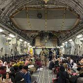 Évacuations d'Afghanistan: un gigantesque pont aérien mobilise des avions du monde entier