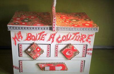 Boite à couture en carton