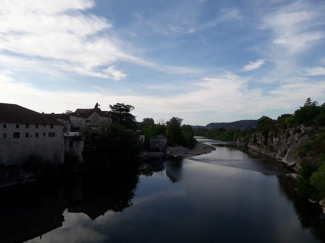 Vals les Bains (07) - Aiguèze (30) à vélo.