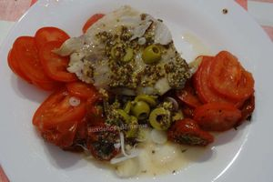 Filet de lieu à la moutarde, olives et tomates en papillote -light-