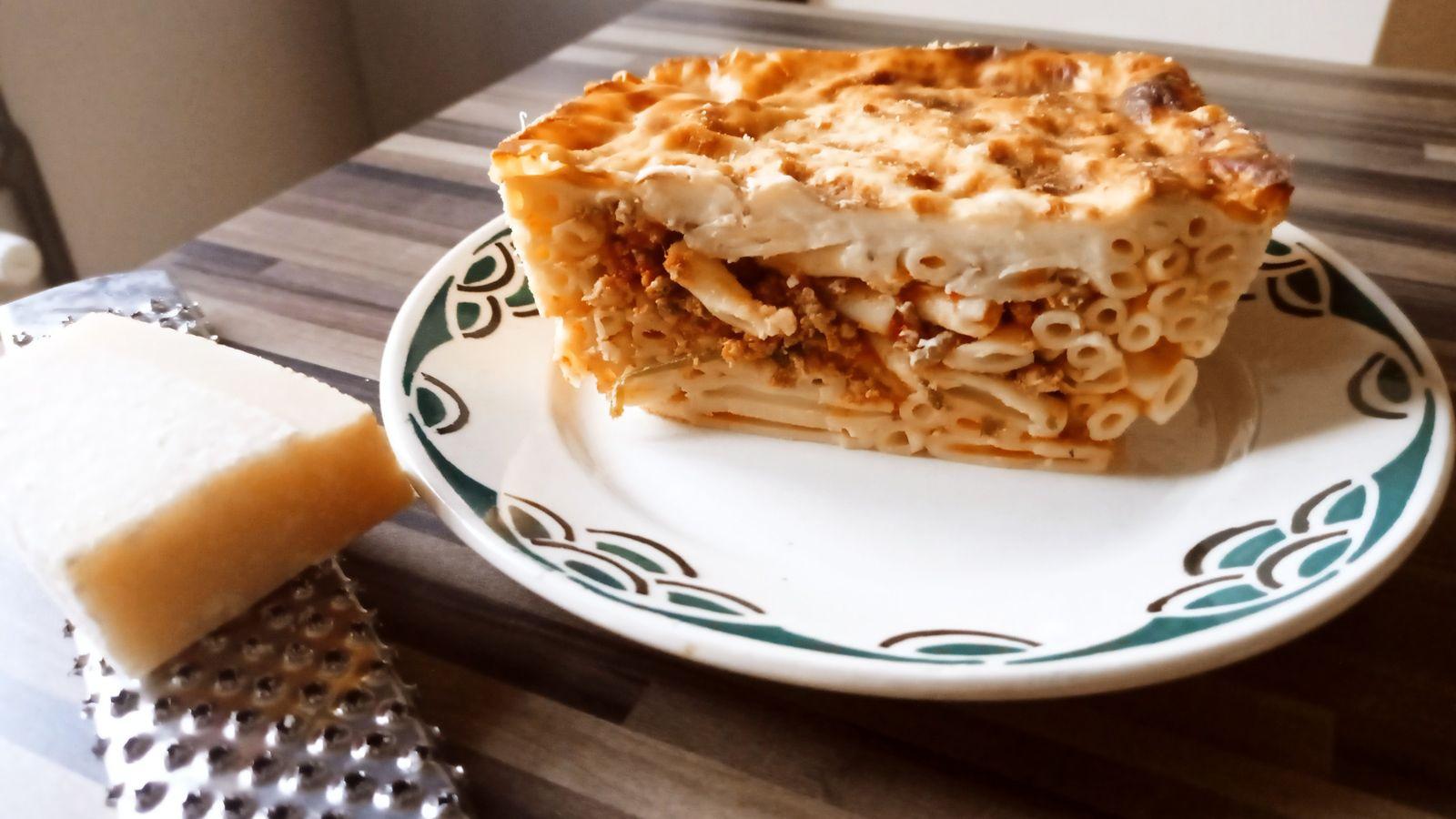 Pastitsio: gratin de macaronis à la grecque