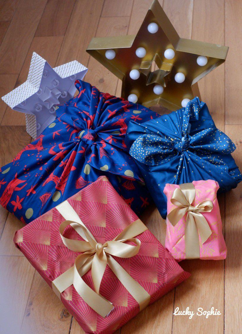 Paquets cadeaux de Noël éco-responsables : kraft, sacs tissu et furoshiki