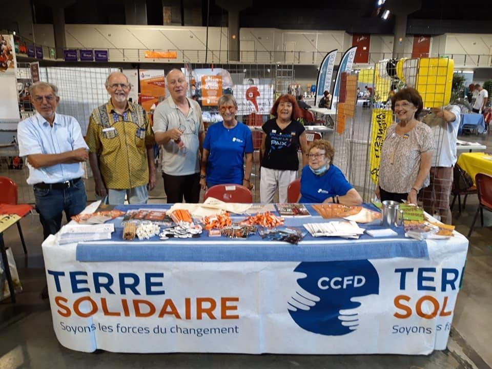 Le CCFD et le Secours Catholique étaient présents à la Halle de Martigues pour la journée des associations.