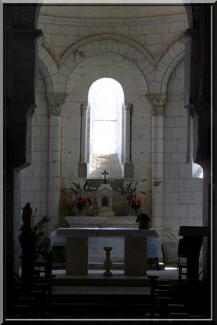 Diaporama église fortifiée de Pérignac (Charente)