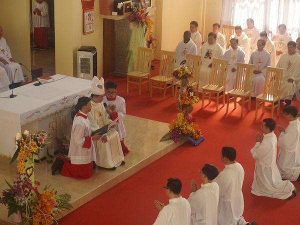 L'ordination de nos six premiers diacres, une joie et une fierté dignement célébrée.