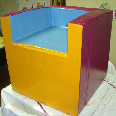 Premiers meubles en carton