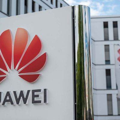 China's Huawei Shifts Investment from U.S. to Russia
