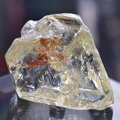 Un million de milliards de tonnes de diamant se cache sous la surface de la Terre