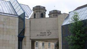 Les magnifiques rasoirs droits de Victor Chemin au Musée de Langres