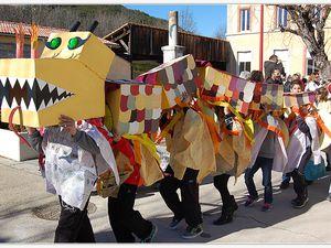 Saint André les Alpes : le carnaval de l'école a égayé les rues du village.