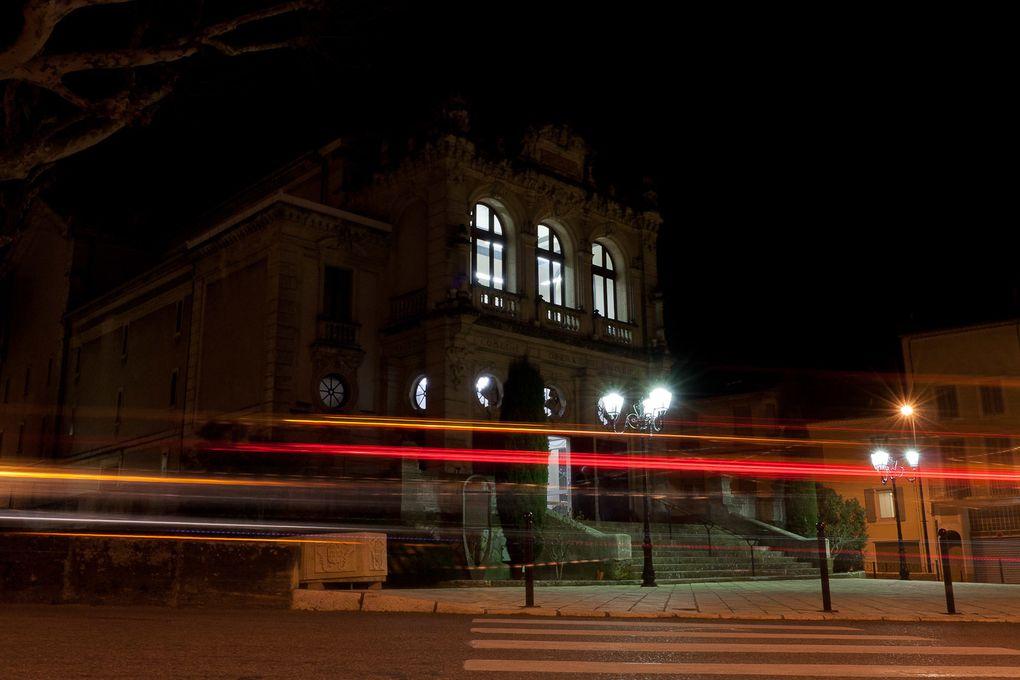 Photos de nuit autour du théatre antique et de l'opéra d'Orange, le 17 février 2012