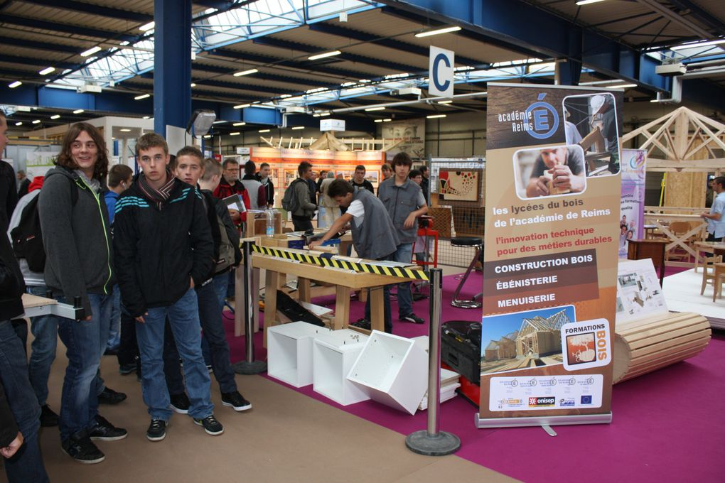 Stand Education nationale.