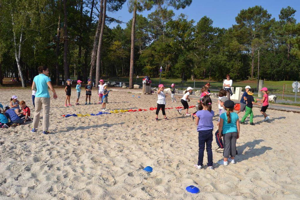 Les enfants du cp au cm2 se sont affrontés lors d 'un tournoi de Ballon prisonnier sur sable!