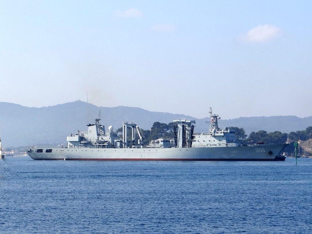 GAOYAOHU  966, pétrolier ravitailleur  de la marine chinoise arrivant à Toulon lr 15 octobre 2017