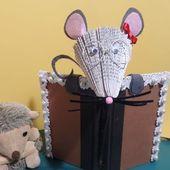 @ Petite souris qui lit @ Pliage de livre