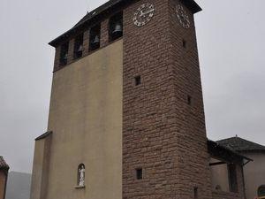 L'église de Roquefort et la neige fait son apparition !