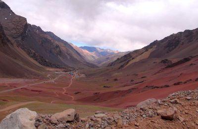 Argentine : Mendoza, la route vers le Chili (ruta7), depuis le Col De La Cumbre.