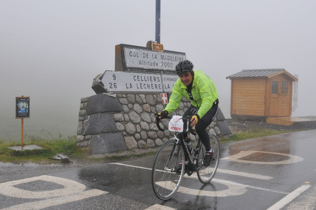 """La randonnée cyclotouriste """"L'Avant-Tour"""" s'est déroulée dans des conditions dantesques. Des images des courageux participants.  Photos : P.Dompnier"""