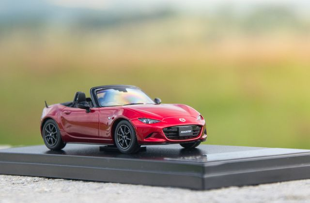 1:43 Mazda MX-5 Roadster ND Seoul Red, Hi Story (HS129RE)