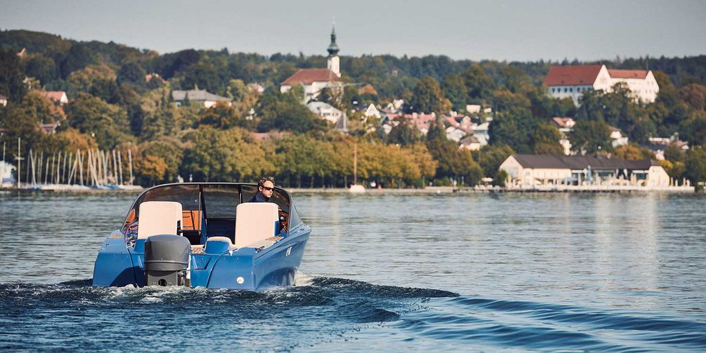 Flying on water: Torqeedo powers Candela Seven, the world's first electric hydrofoil speedboat