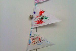 fanion de papier fait par les enfants