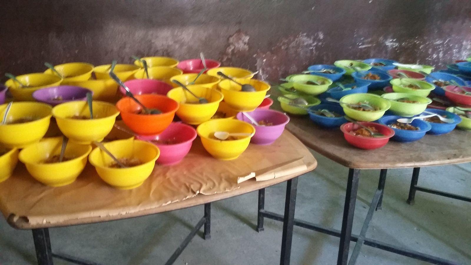 Distribution des 682 repas du midi, par jour d'école.