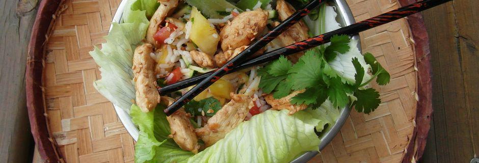 Salade riz et poulet façon Thaï