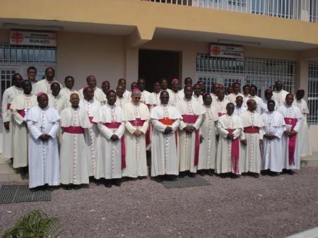 RD Congo: la Iglesia Católica congoleña suspende su participación en el diálogo político en curso.