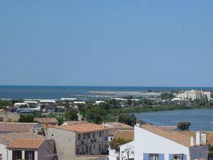 Petit aperçu de la vue d'en haut et bien sûr la mer et les étangs...