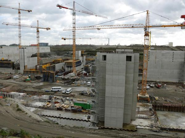 Photos de la construction de la plus grande écluse du monde, dans le port d'Anvers