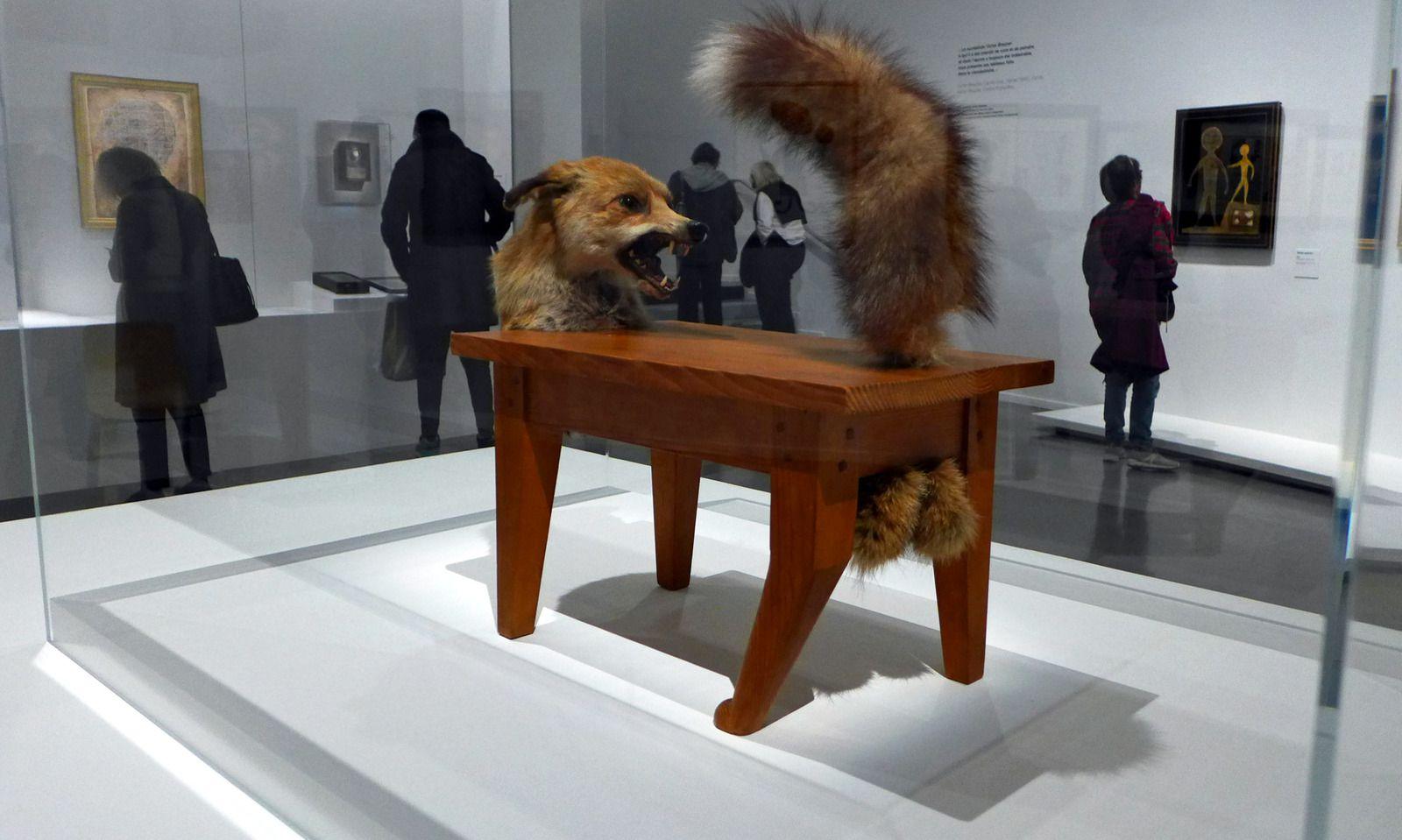 Loup-table, bois et éléments de renard naturalisé, 1939-1947. Centre Pompidou, Paris.