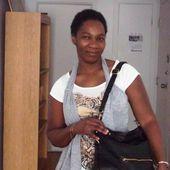 """Rencontre avec Evelyne Patricia Lokrou, auteure de """" Petite poussière """" - L'actualité Edilivre"""