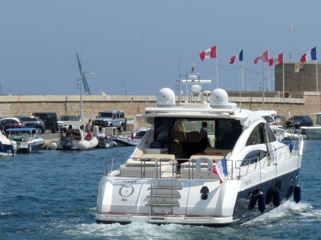 VANINA  5 , entrant et sortant du port de St  Tropez le 08 aout 2018